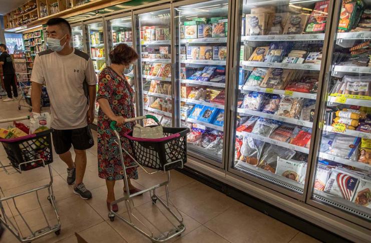 Resíduos de coronavírus encontrados em embalagens de frutos do mar congelados na China