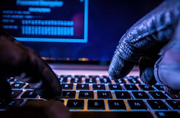 hacker com teclado