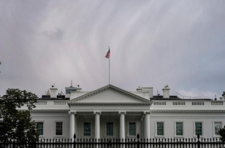 Agentes do Serviço Secreto em isolamento devido a surto de COVID-19 na Casa Branca