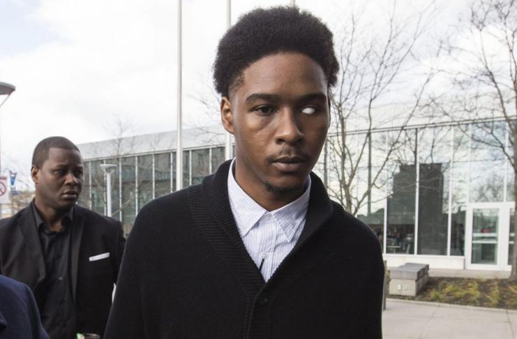 Policial preso por espancar tanto um homem negro que perdeu o olho