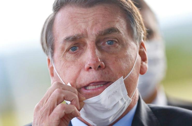 O presidente Bolsonaro afirma que a vacina COVID pode transformar pessoas em crocodilos