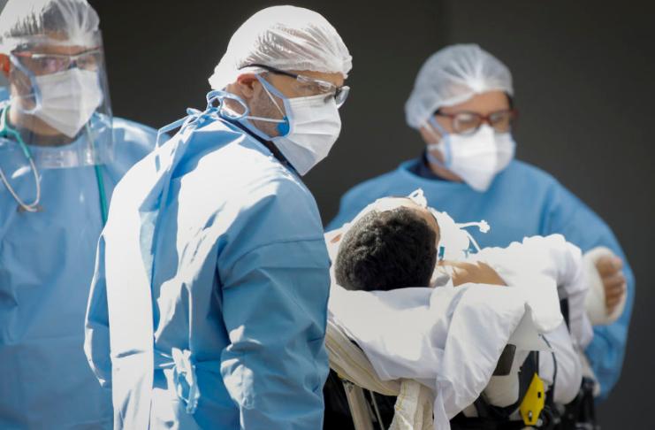 EUA estabelecem recorde de um único dia em casos de COVID-19, mortes, hospitalizações