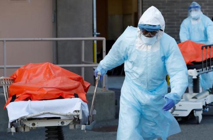 EUA estabelecem novo recorde em um único dia, com mais de 3.000 mortes de COVID-19