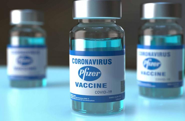 Remessa da vacina COVID-19 devolvida após 'anomalia' causar queda na temperatura de armazenamento
