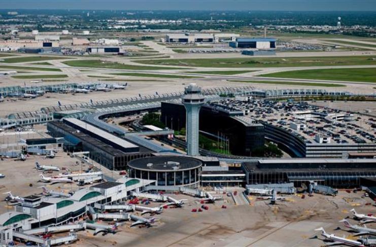 Trabalhador esmagado até a morte por equipamento de avião no aeroporto de Chicago