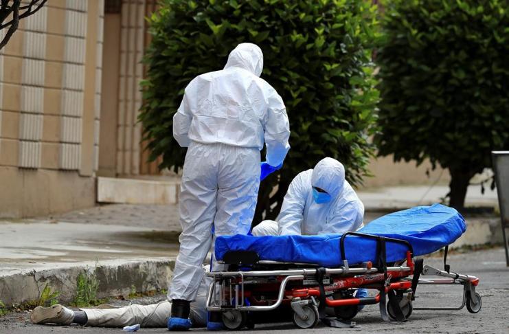 EUA alcança um marco sombrio, ultrapassa 300.000 mortes de COVID-19