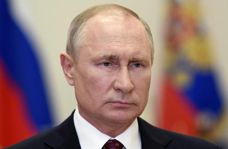 Putin diz que vacinações em massa de COVID-19 começarão na próxima semana