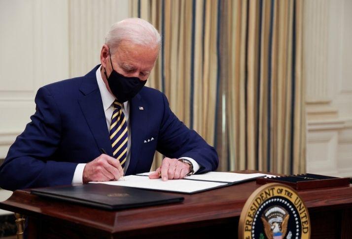 COVID-19: Todos os americanos vacinados até o final do verão, planeja Biden