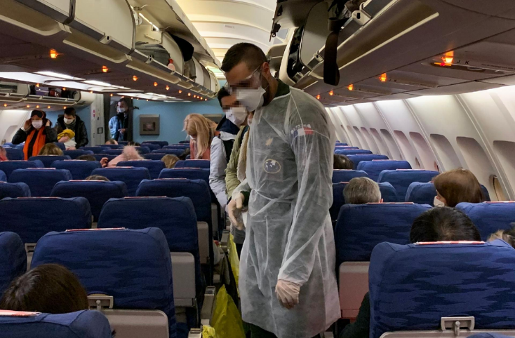Administração de Biden de olho não obrigatório de teste COVID-19 para voos domésticos