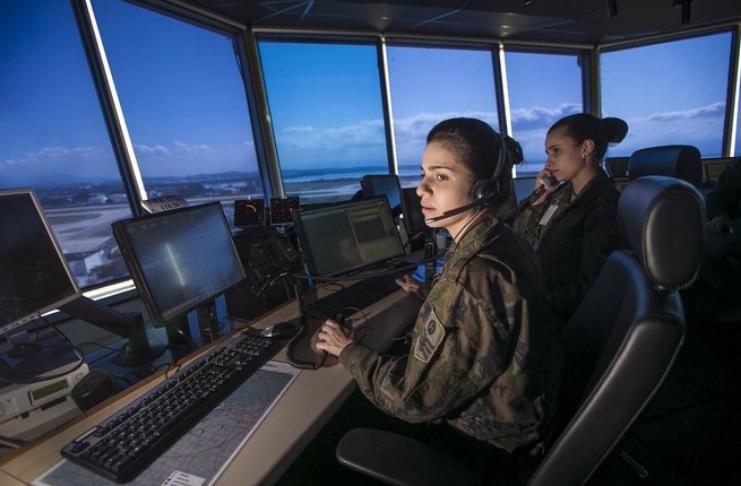 Controladores de tráfego aéreo de NY ouvem mensagem ameaçando vingar a morte de Soleimani