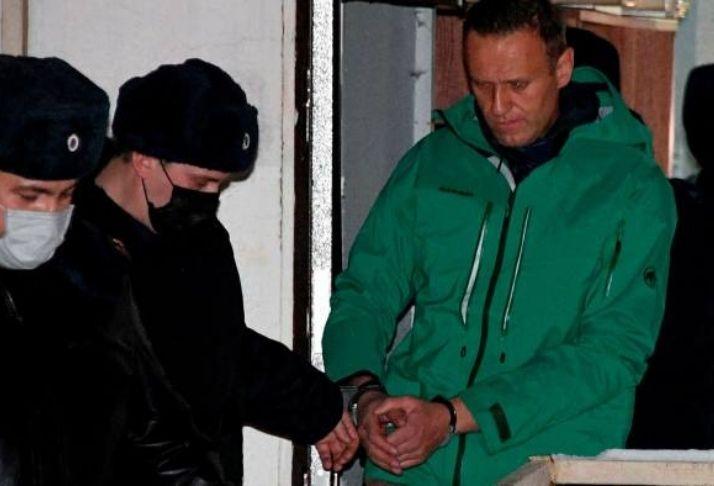 Justiça russa mantém líder da oposição Alexei Navalny sob custódia