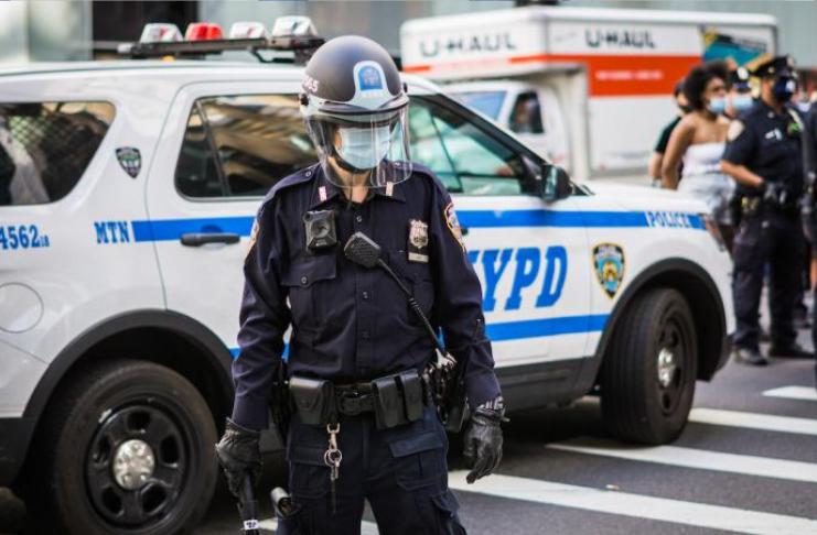 O NYPD já obteve mais de 400 armas nas ruas de Nova York em 2021