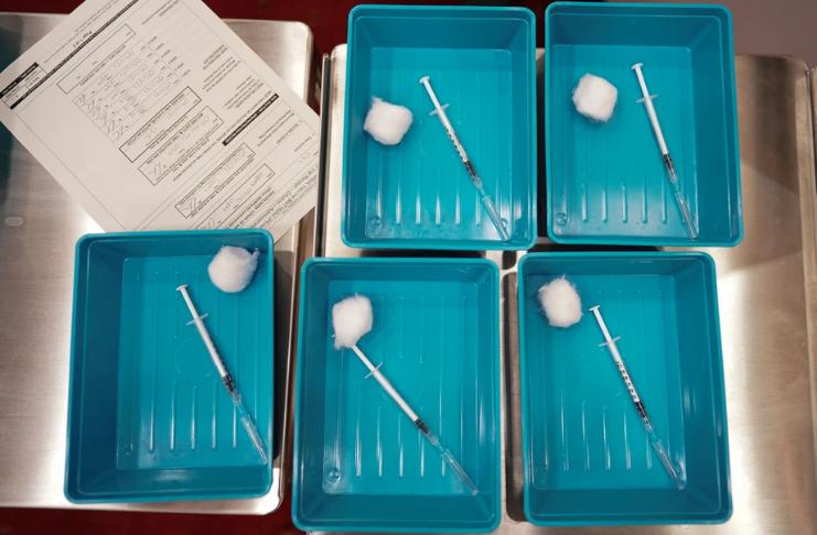 Vacina Pfizer COVID-19 com probabilidade de proteger contra a cepa do Reino Unido