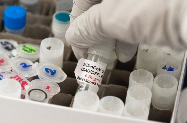 Farmacêutico foi preso depois que anteriores de doses da vacina COVID-19 foram destruídas