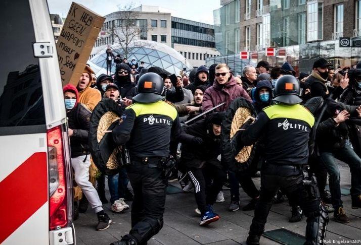 Manifestações na Holanda: País protesta em meio ao toque recolher para combater o COVID-19