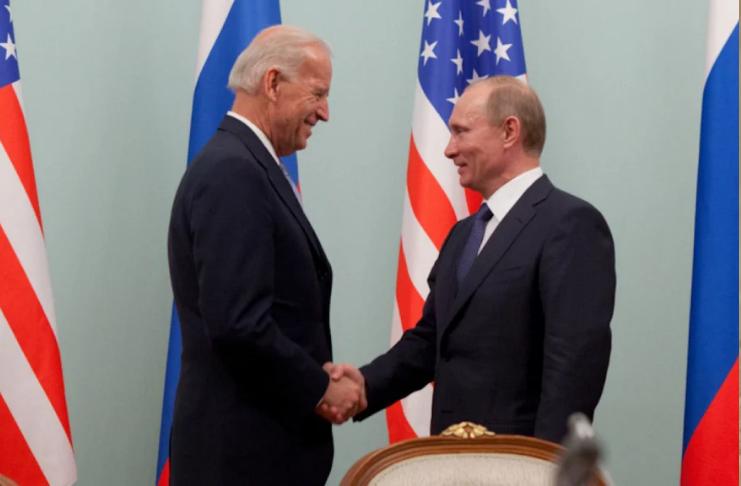 Rússia concorda em prorrogar tratado nuclear por cinco anos após contato com Biden