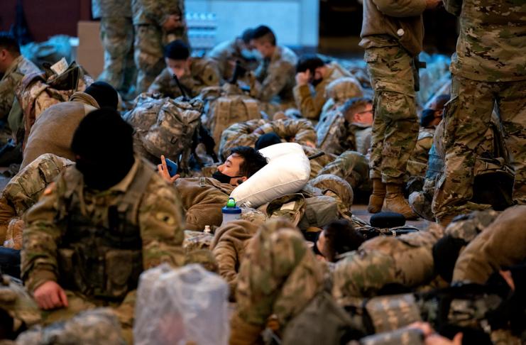 Guardas nacionais em DC superam as tropas no Iraque e no Afeganistão
