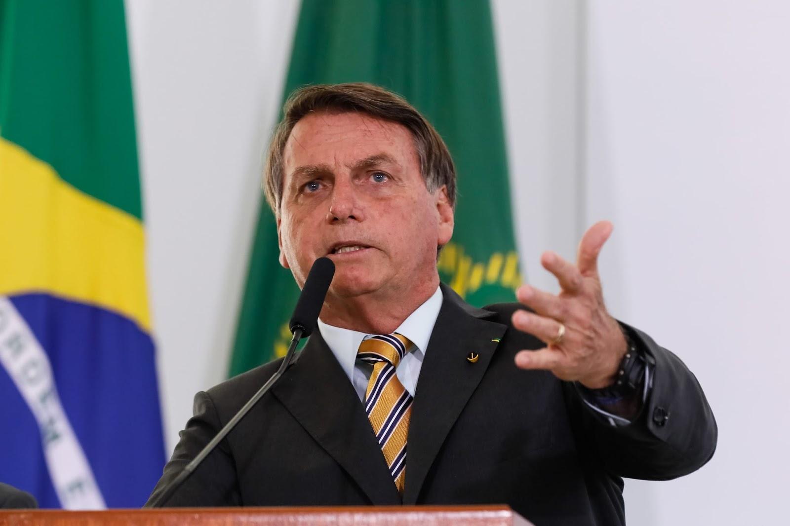 Bolsonaro nega prorrogação do Auxílio Emergencial 'Endividamento está no limite'