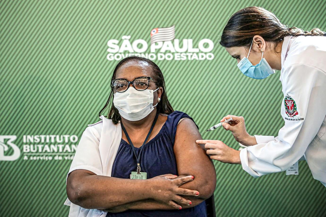 Guedes declara que imunização em massa é decisiva para retomada da economia