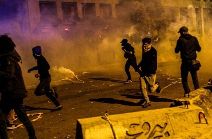 Entre as restrições sanitárias e a crise econômica, Líbano tem manifestações