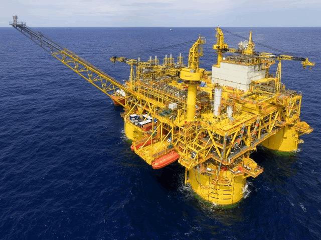Lucros da Shell caem 71% em 2020