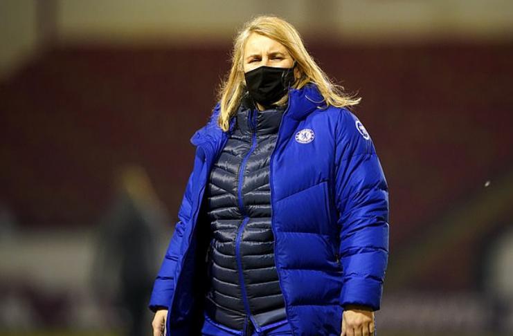 """Emma Hayes: Técnica do Chelsea diz que futebol feminino """"não é um degrau abaixo"""" do futebol masculino"""