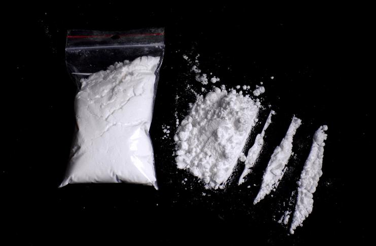 Ex-advogado cujas calças pegaram fogo em julgamento preso sob acusação de cocaína