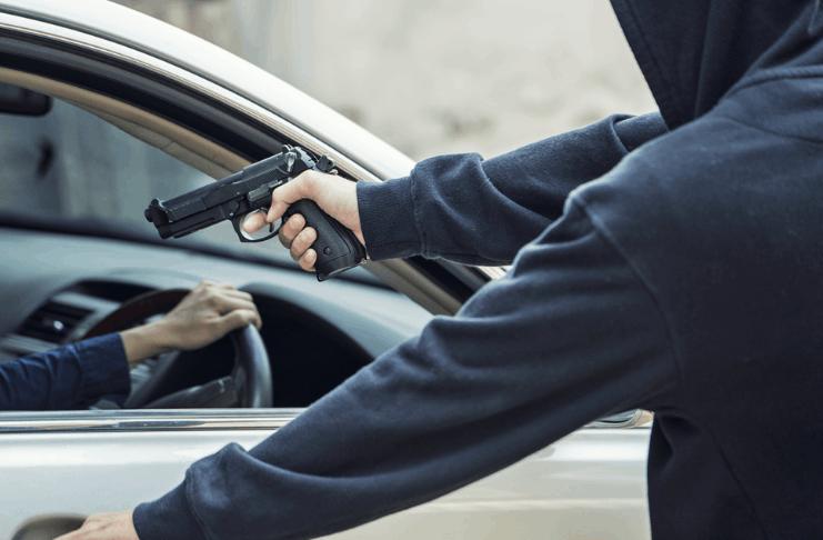 Vítima de roubo de carro recusa as acusações porque 'sentiu pena' dos agressores