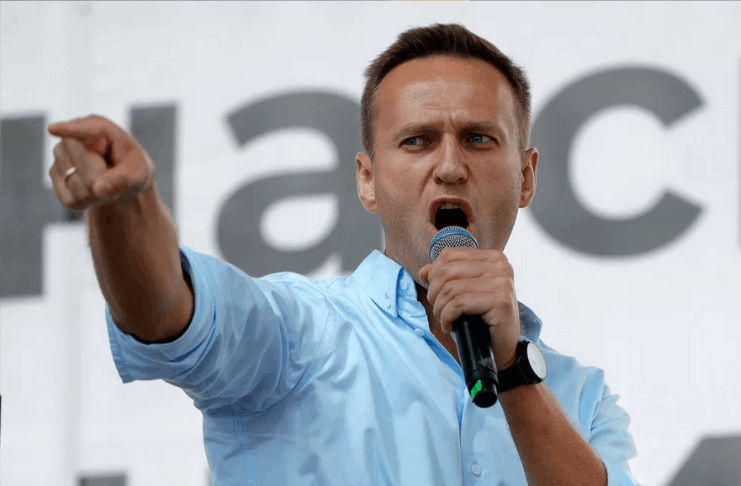 Alexei Navalny condenado a 3 anos e meio de prisão