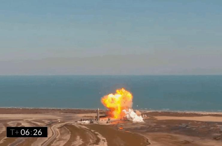 SpaceX Starship explode em vôo de teste de pouso forçado
