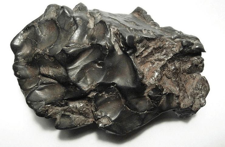 Celebridades loucas por meteoritos se transformam em colecionadores de rochas
