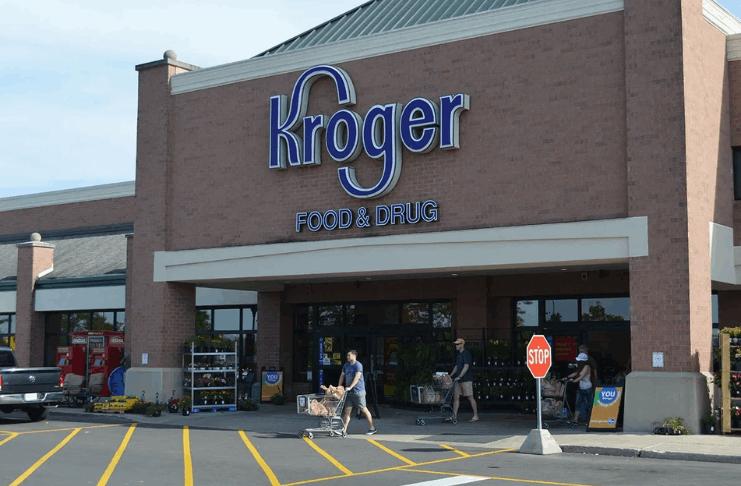 Kroger oferece aos trabalhadores um bônus de 100 dólares para obter a vacina COVID-19