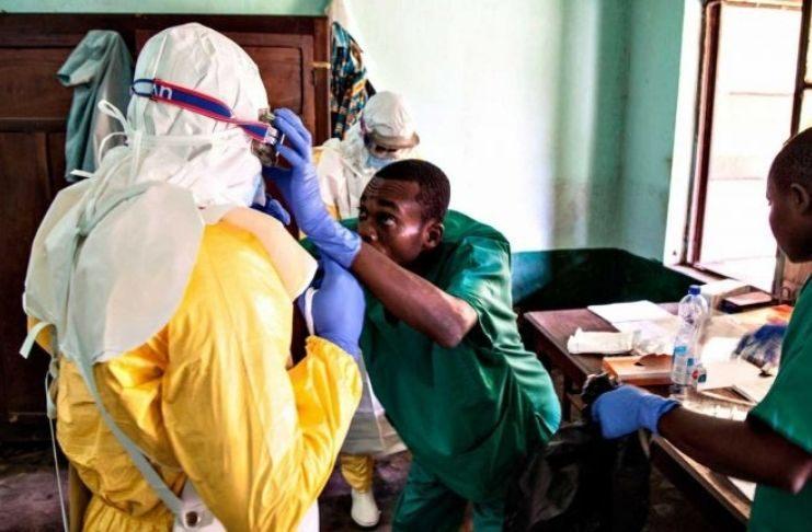 """Vacina contra o Ebola: Um """"grande passo em frente"""", concedida pela Prescrire"""