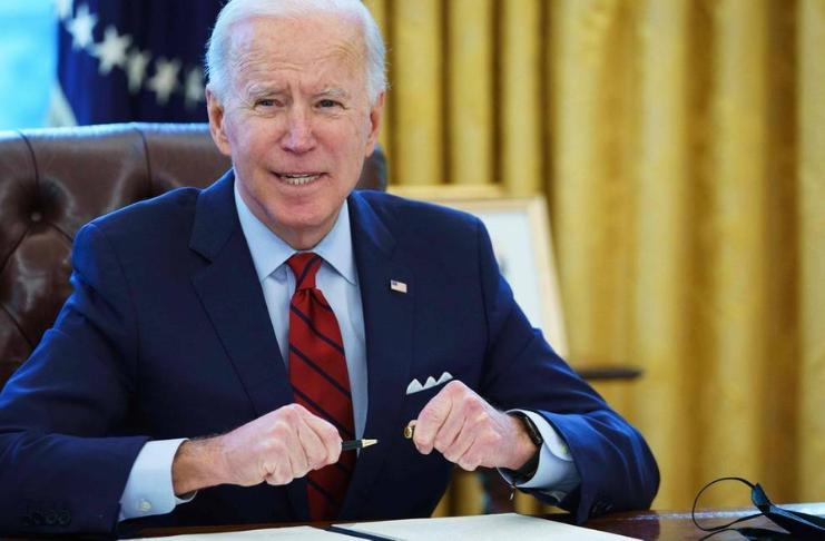 Democratas do Senado seguem com o plano de estímulo de 1,9 trilhões de dólares de Biden - Com ou sem apoio republicano