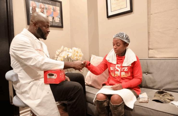 Cirurgião da 'Gorilla Glue girl' quer vender sua própria 'fórmula mágica'