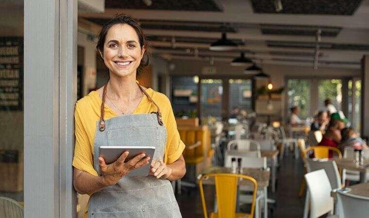 Pequenos negócios foram os que mais geraram emprego com carteira assinada