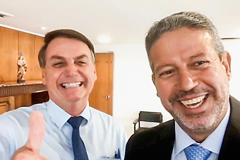 Bolsonaro tem cenário favorável para prosseguir com reformas