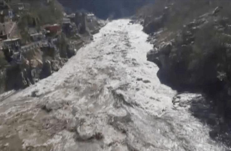 Pelo menos nove mortos, 140 desaparecidos após quebra de geleira na Índia